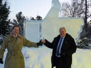 800px-Thumbs_up_for_US_-_Lulea_cooperation!